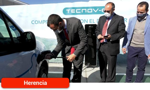 Inauguración de la primera electrolinera para vehículos eléctricos en el Polígono Industrial