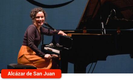 Emotivo homenaje a las poetas olvidadas de la Generación del 27 en el recital concierto de Sheila Blanco