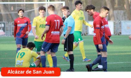 El Sporting de Alcázar se lleva el derbi contra el Atlético Tomelloso con polémica