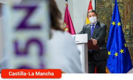 """García-Page alaba el trabajo de las profesionales de los Centros de Acogida y apela a la """"constancia"""" en la lucha contra la violencia machista"""