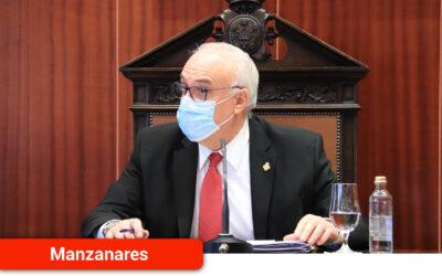 El alcalde reconoce en el pleno el trabajo de los profesionales de la sanidad pública y sociosanitarios