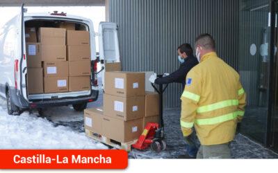 El Gobierno regional ha distribuido esta semana más de 300.000 de artículos de protección para profesionales sanitarios