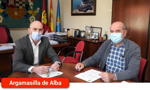 El Ayuntamiento renueva el contrato de arrendamiento con los propietarios de la 'Botica de los Académicos'