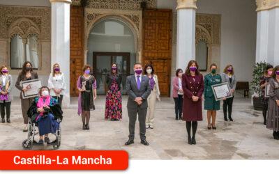 """El Gobierno regional reconoce """"el trabajo y el compromiso imprescindible"""" de las mujeres durante la pandemia"""