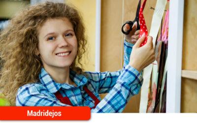 La Universidad Popular organiza unos talleres de formación y orientación laboral en la búsqueda de empleo para mujeres