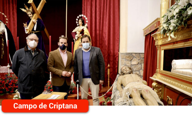 Paco Núñez, ha  visitado al imaginero local de Campo de Criptana