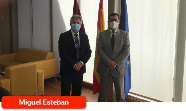 Pedro Casas traslada las necesidades del municipio al delegado provincial de la Junta