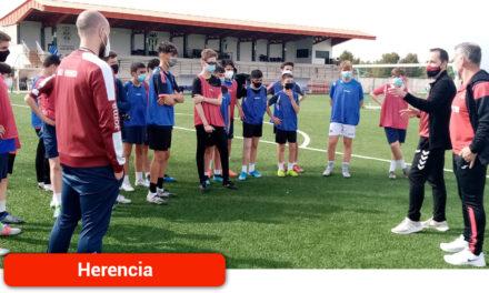 Los niños y niñas de la localidadd retoman su participación en el Campeonato Regional de Deporte Escolar