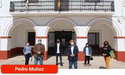 El Gobierno regional sufraga con una subvención de Presidencia la reparación de la fachada del Ayuntamiento de la localidad