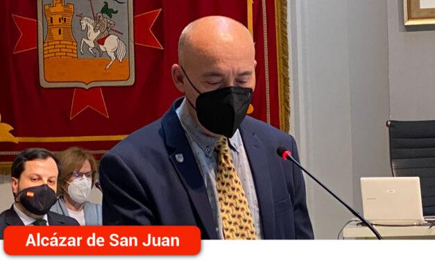 Ángel Sánchez Flores toma posesión de su cargo como nuevo concejal del PP