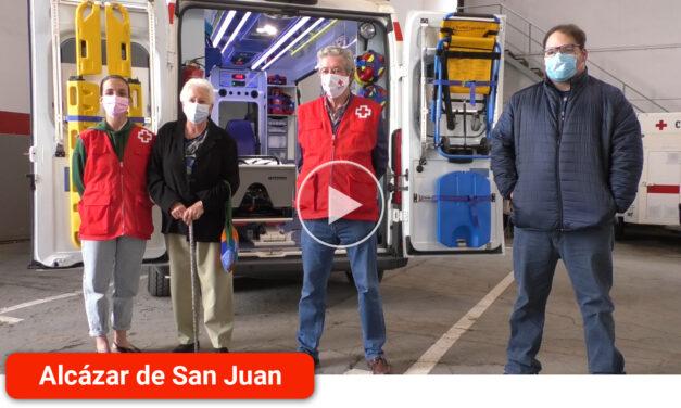 Voluntarios y usuarios muestran su agradecimiento a la Asamblea local en el Día Mundial de la Cruz Roja y de la Media Luna Roja
