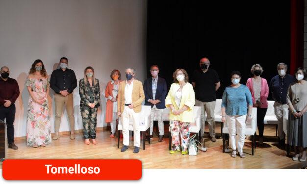 """Jiménez agradece su trabajo, """"vocación y entrega"""" a nueve docentes homenajeados por su jubilación"""