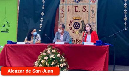 El IES Juan Bosco celebró el acto de clausura y graduación de Bachillerato de 42 alumnos