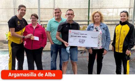 El Club de Atletismo entrega 740 euros recogidos en la II Carrera Virtual Solidaria de Argamasilla de Alba