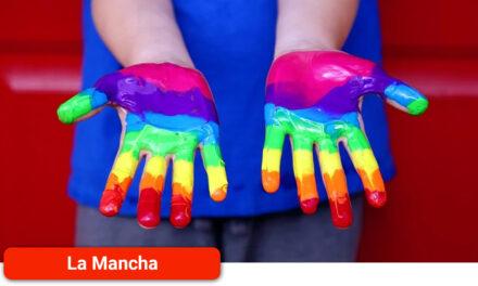 La celebración del Orgullo vuelve a salir a la calle en la comarca de La Mancha