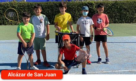 Los Campus de Tenis y Pádel de verano completan las matrículas