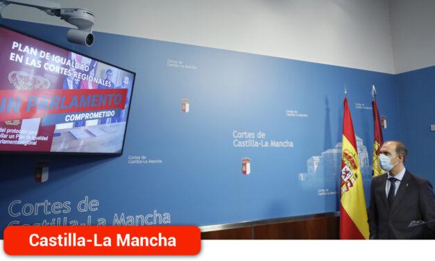 """Bellido reivindica el balance de la primera mitad de legislatura con """"unas Cortes más cercanas y modernas y el parlamento más activo de España"""""""