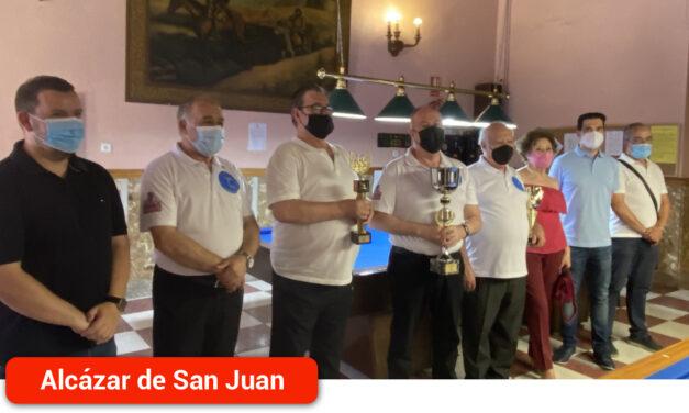 Julián Fernández, ganador del campeonato del Club de Billar Alces