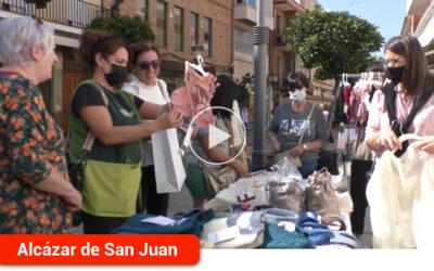 'A pie de calle' convierte el eje comercial en un auténtico hervidero de personas llegadas de toda la comarca