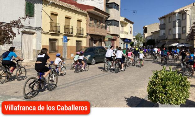 Villafranca de los Caballeros entrega los beneficios del día de la bicicleta a Luz de la Mancha