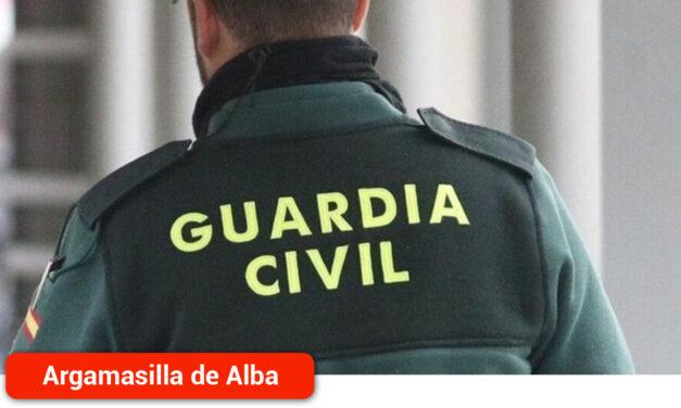 La Guardia Civil detiene a una persona al sorprenderla in fraganti huyendo por el tejado tras robar en un bar