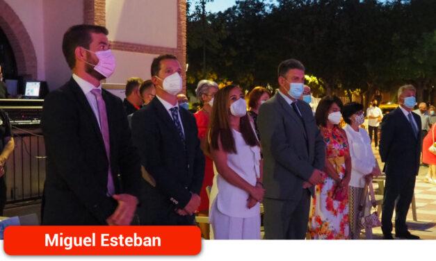 Homenaje a todos aquellos que han colaborado en la lucha contra el Covid-19 en el municipio