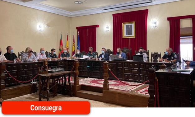 Reunión de la junta local de seguridad para coordinar el dispositivo especial con motivo de la Feria y Fiestas