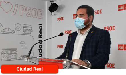 """Camacho: """"Nuestra región lidera la recuperación económica en toda España y está a la cabeza en crecimiento y creación de empleo"""""""