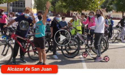 Más de 300 estudiantes celebran la Semana  Europea de la Movilidad con recorridos en bicicleta, patines y a pie