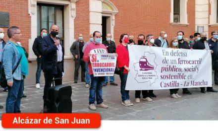La Plataforma de Castilla-La Mancha por el Tren cerró en la ciudad sus concentraciones por el ferrocarril público