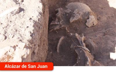El Ayuntamiento ampliará el yacimiento de Piédrola con la adquisición de la parcela donde se encontró una necrópolis islámica