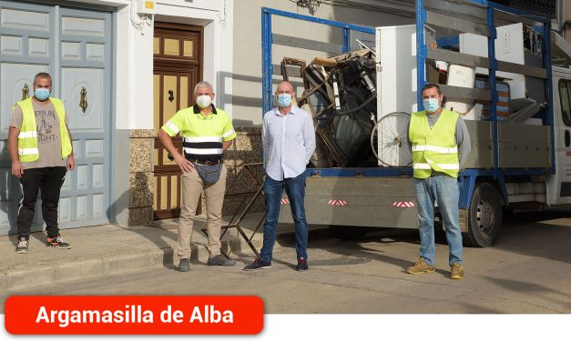 El servicio de retirada municipal de voluminosos ha realizado 144 recogidas en su primer año